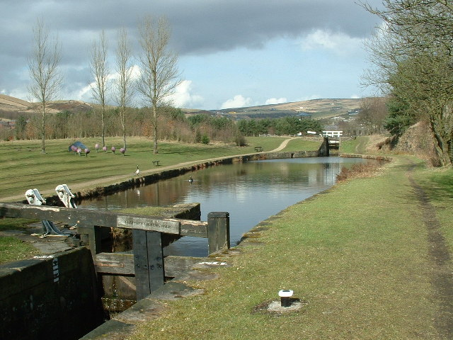 Geoffrey Dickens Lock No 31W, Huddersfield Canal