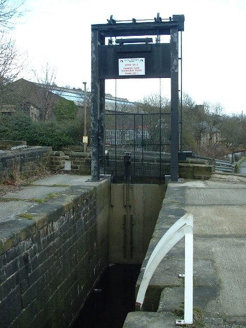 Shuttle Lock No 24E