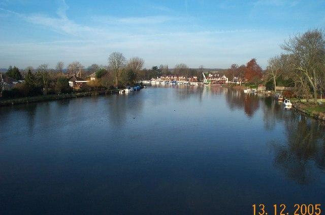 River Thames: Bourne End