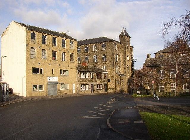 South Lane, Elland