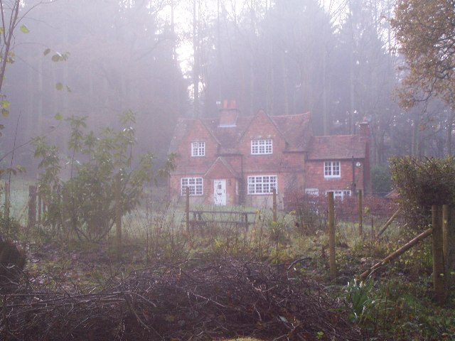 Cottage on Borden Lane, Borden