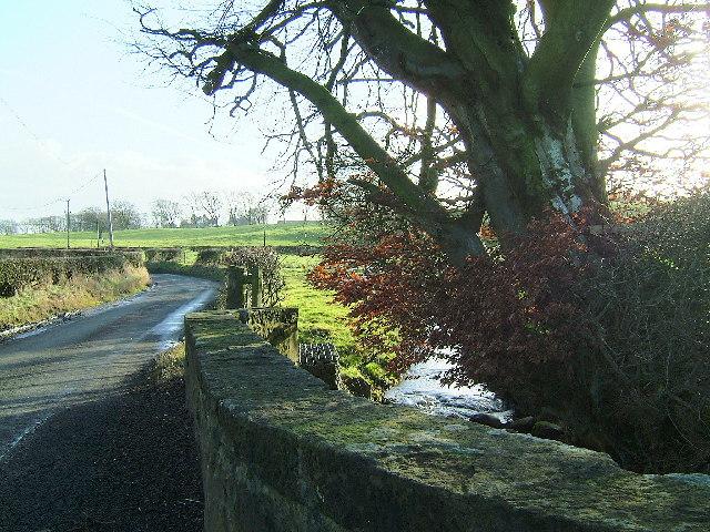 Bridge over Burn on Burnhouse road