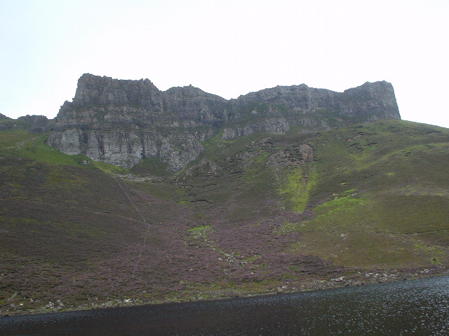 The easterly cliffs of Leac-nan-Fionn