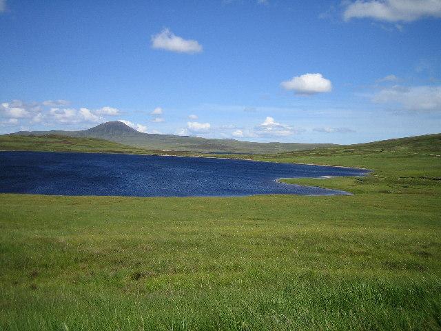 Moorland and Loch an Alltan Fhearna