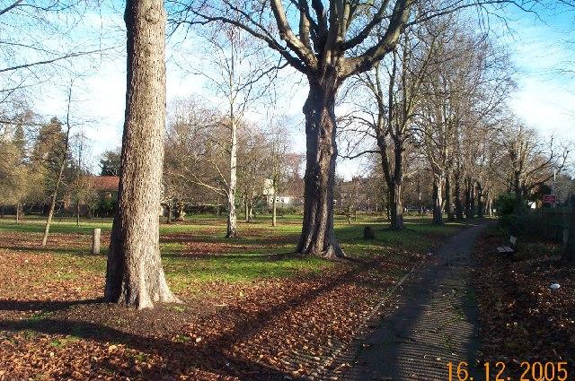 Ealing: Montpelier Park, W5