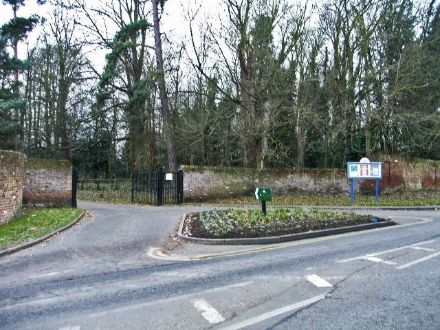 Entrance to Cedars Park, Cheshunt