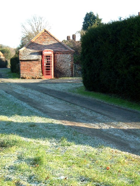 Snug phone box, Bradenham