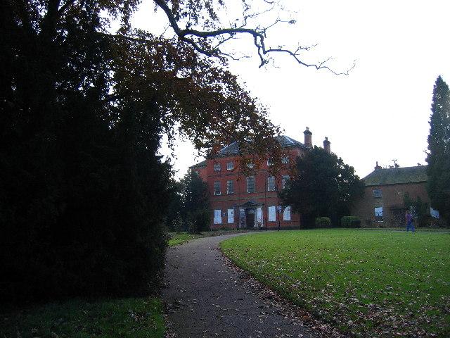 Abandoned building, Braunstone Park