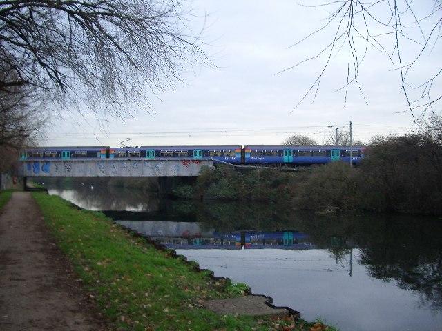 Canal and Railway, Tottenham