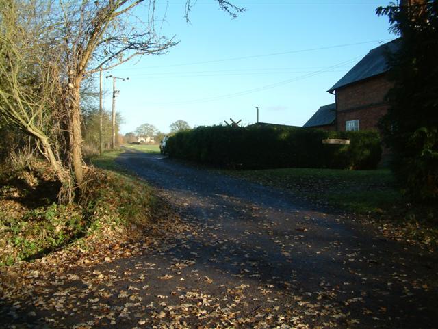 Knightsbridge Lane, the road to Knightxbridge Farm