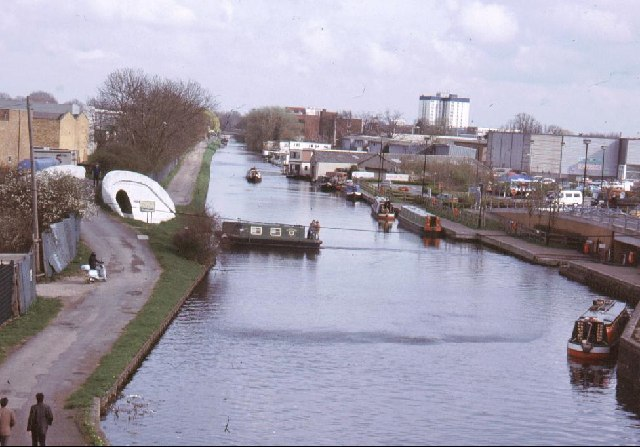 Grand Union Canal at the Bulls Bridge Junction