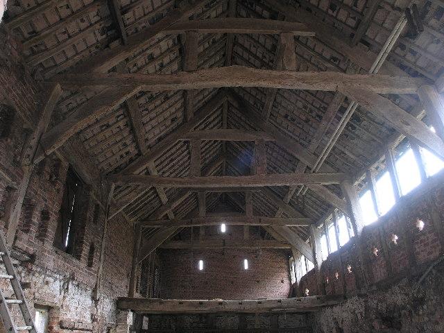 Barn interior, Bach-y-graig