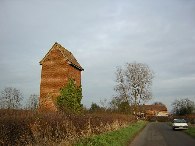 A mystery building in Kimblewick Road