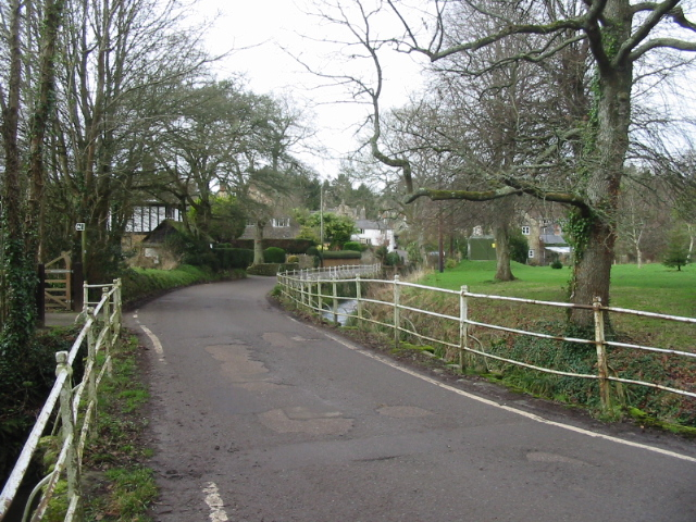 Netherbury village at bridge over River Brit