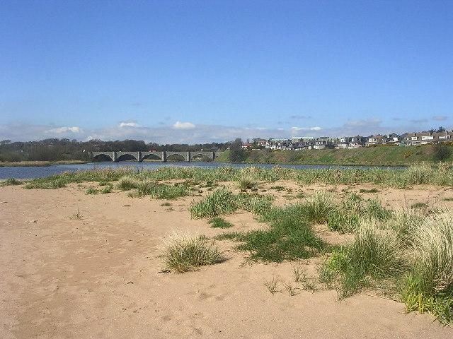 View towards the Bridge of Don
