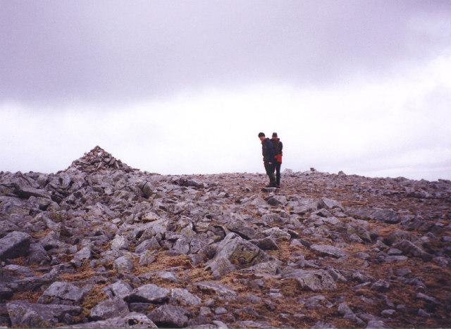 the flat, stony summit plateau of Carn Mairg