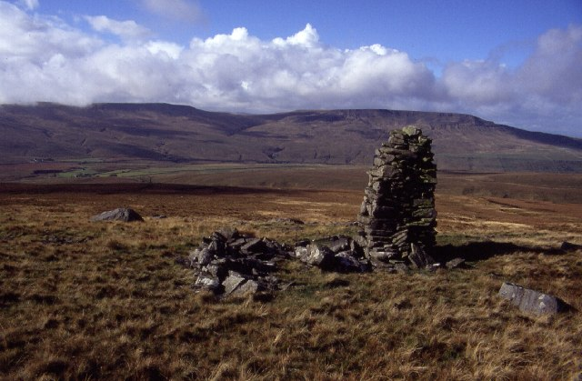 Cairn on Ure Head