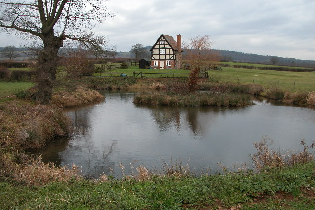 Cottage to the south of Aylton
