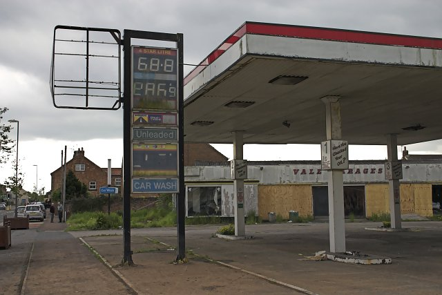 Disused Filling Station, Thirsk