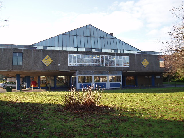 Walton swimming pool