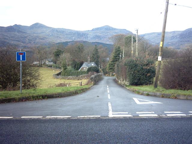 No through lane, Llan Ffestiniog, 1.05pm