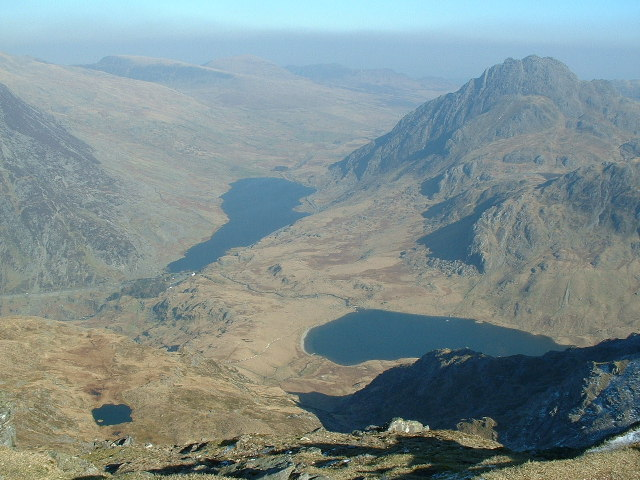 View from Y Garn towards Llyn Ogwen and Tryfan
