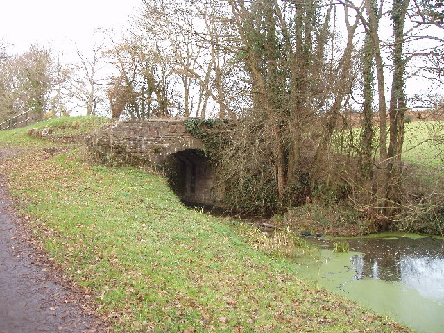 Bridge over Monmouthshire & Brecon Canal, Llantarnam