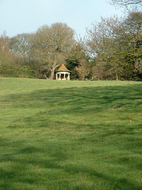 A summer house at the side of Deffer wood