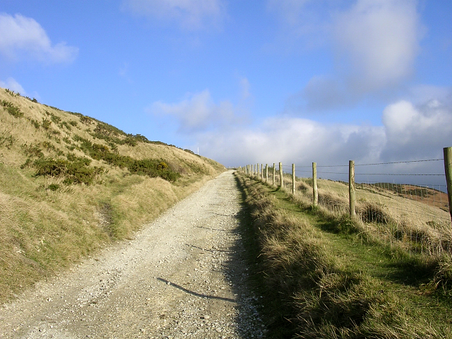 Steep footpath up to the saddle between Whiteway Hill and Povington Hill