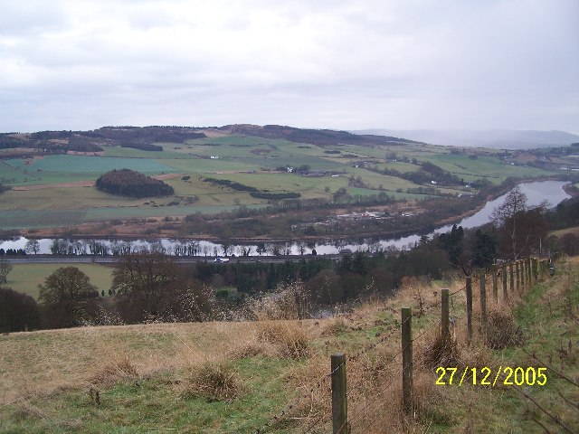 River Tay looking south west