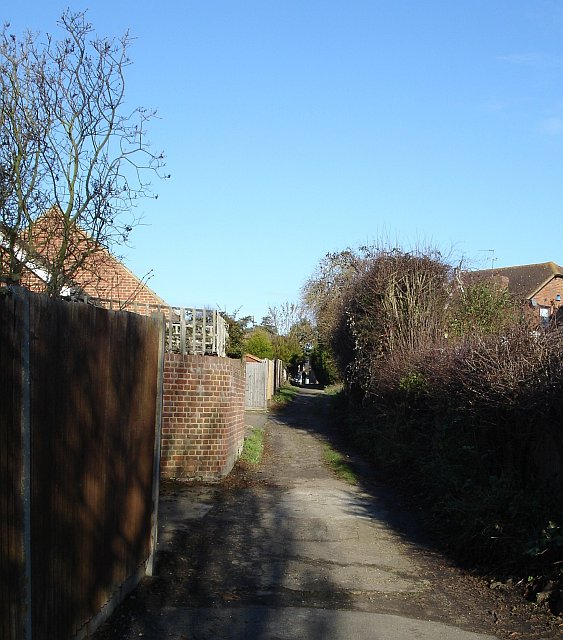 Footpath in Bearsted