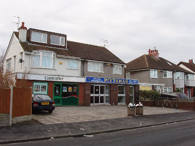 Shops in Queen's Road, Formby