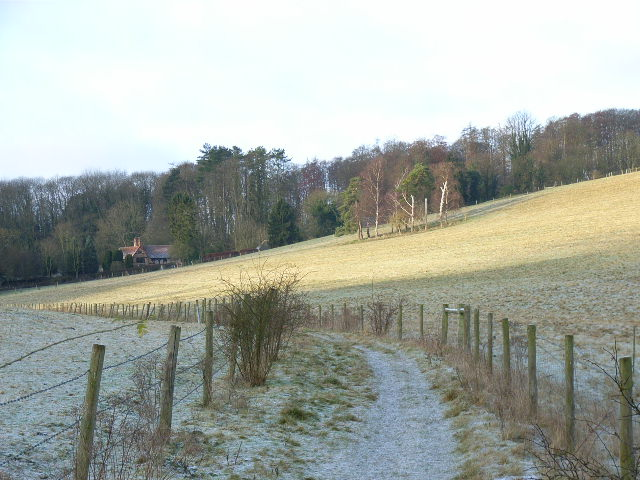 Footpath to Lower Hernes