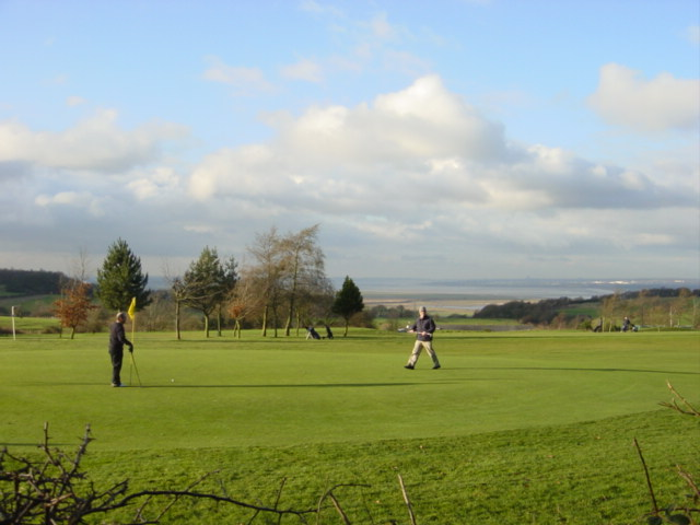 The 6th green at Frodsham Golf Club from the Delamere Way