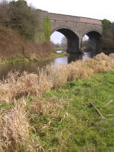 Double-arched railway bridge over the river Frome