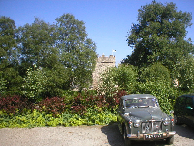 Vintage Car at Drum Castle