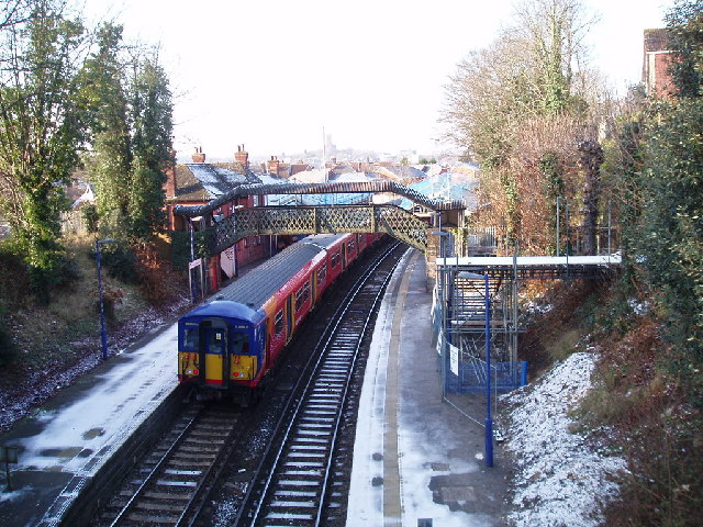 Guildford London Road railway station