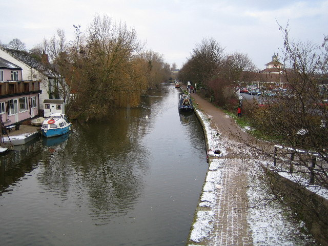 Linslade: Grand Union Canal