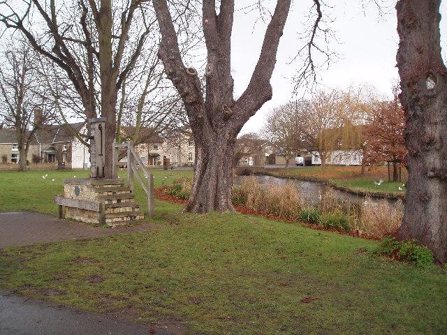 Histon village green and duck pond