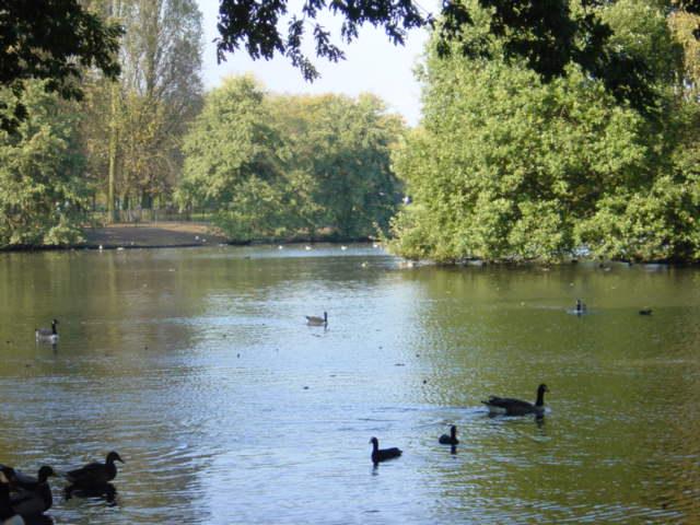 Calderstone Park Lake