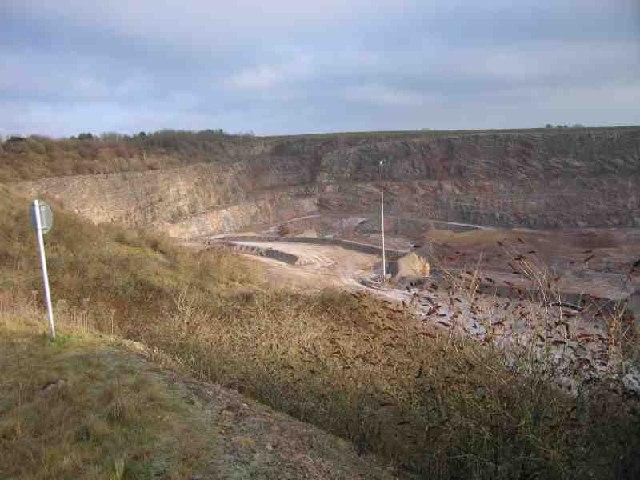 Quarry nr Holwell