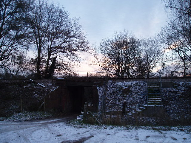 Landbarn Farm's railway bridge