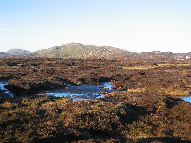 Bogs behind Creag na h-Iolaire