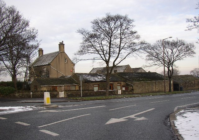 Farm and cottage at Bradley roundabout