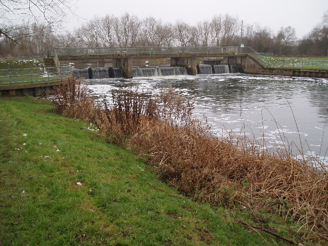 Weir on River Great Ouse