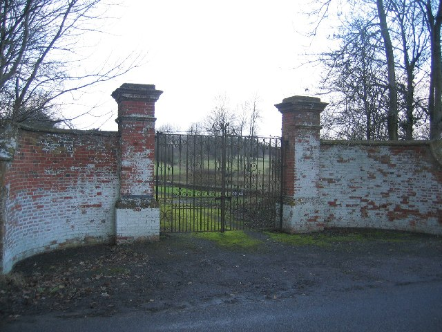 Gateway to Chadshunt House