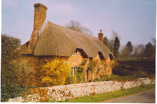Beauworth thatched cottage