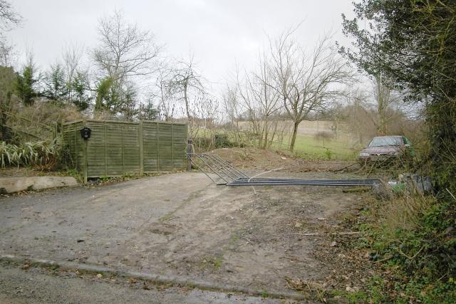 Broken gate, Lantallack Cross