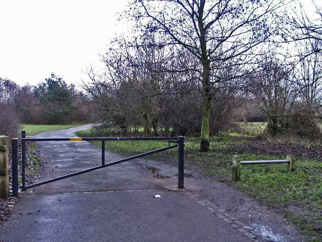 Entrance to walk by Turnford Brook, Turnford, Hertfordshire