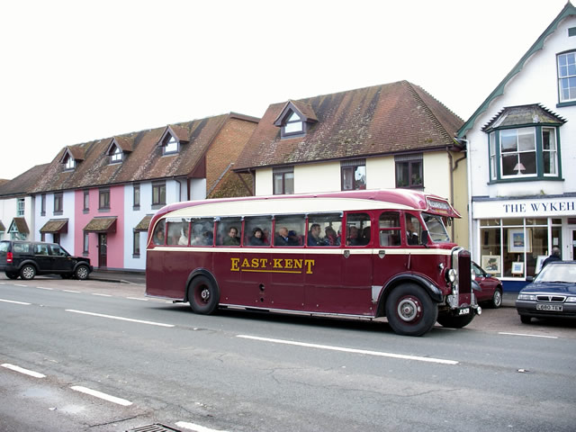 Heritage bus on Stockbridge High Street